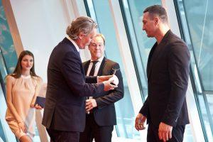 Vladimir Klischko reciving Award 2019